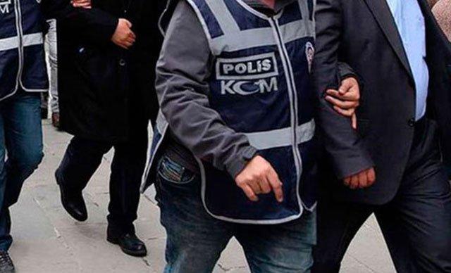 İzmir'de FETÖ operasyonu: 17 gözaltı