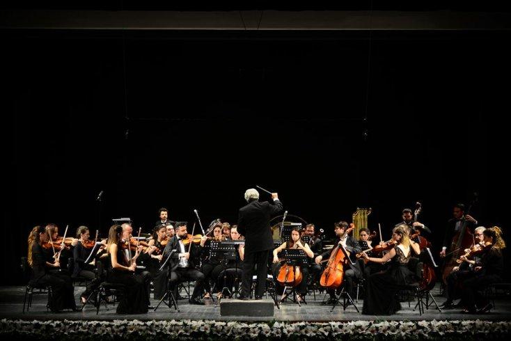 Kadıköy Belediyesi Süreyya Operası Ulusal Beste Yarışması'nın ödülleri sahiplerini buluyor
