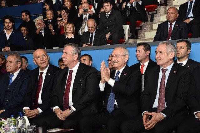 Kılıçdaroğlu 'Kızılcagün: Bir Cumhuriyetin Doğuşu' tiyatral gösterisini izledi