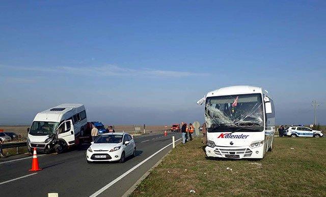Lüleburgaz'da işçi servisleri çarpıştı: 17 yaralı var