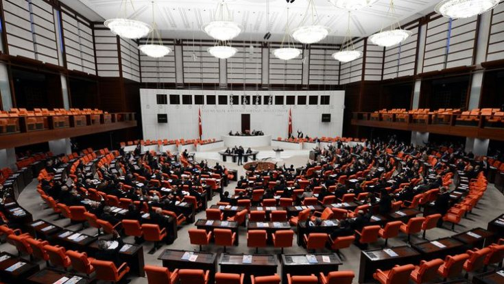 'Meclis'te yer alan partilerin oy oranlarında büyük düşüş gözüküyor'