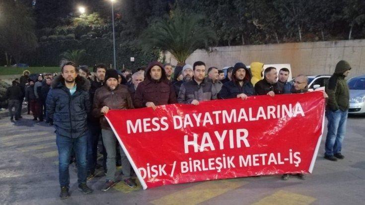 Metal işçileri eylemde: Haklarımızın geriye götürülmesine izin vermeyeceğiz