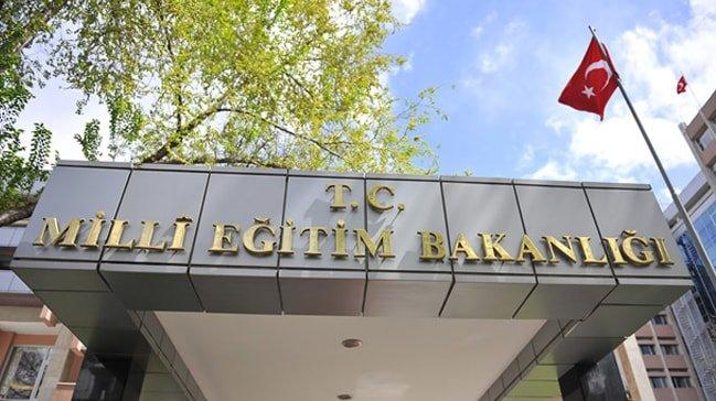 Milli Eğitim Bakanlığı yandaş derneğin 'tahsis' protokolünü gizledi
