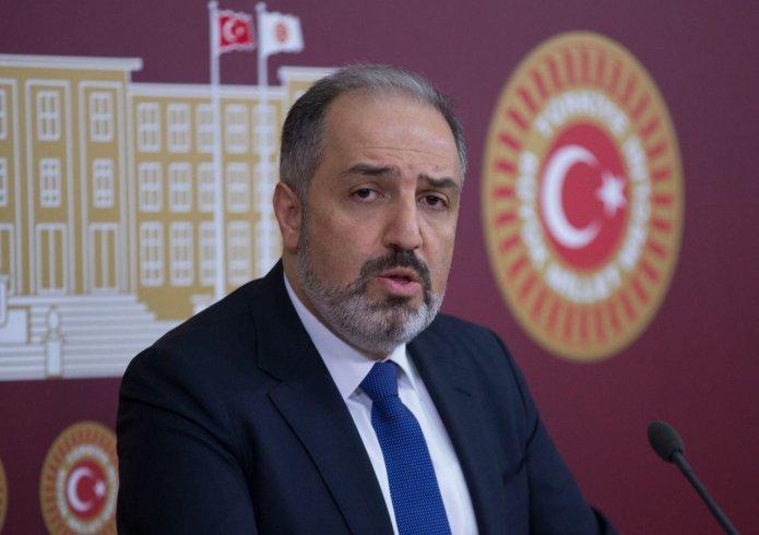 Mustafa Yeneroğlu AKP'den istifa etti