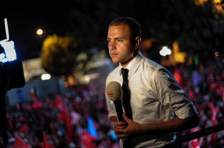 Habertürk'ten ayrılan Ömer Topsakal Kılıçdaroğlu'nun basın ekibine katıldı