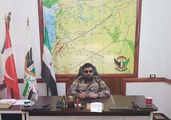 ÖSO komutanın arkasındaki haritada Hatay Suriye'ye bağlı görünüyor!