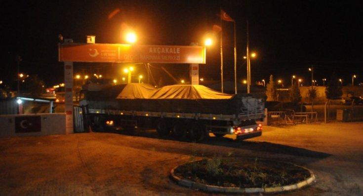 ÖSO'ya bağlı 14 bin asker, harekat için ağır silahlarla Türkiye'ye doğru yola çıktı