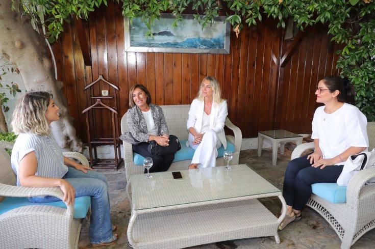 Selvi Kılıçdaroğlu, Dilek İmamoğlu ve Başak Demirtaş'tan sürpriz buluşma