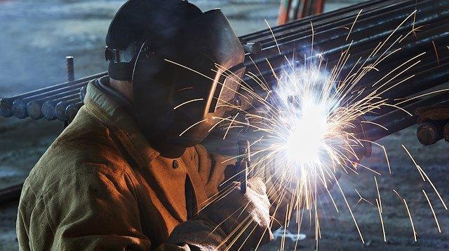 Şubat ayı sanayi üretimi yüzde 5.1 azaldı