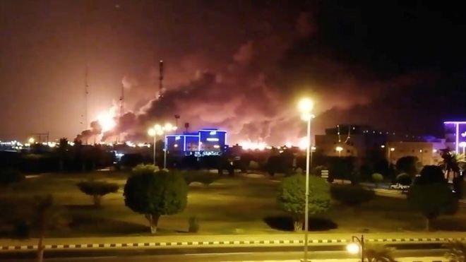 Suudi Arabistan'da iki büyük petrol tesisine silahlı drone ile saldırı düzenlendi
