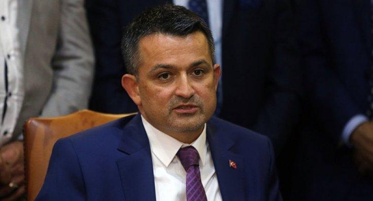 Tarım Bakanı Bekir Pakdemirli'nin özel villasında bakanlık memurlarını görevlendirdiği ortaya çıktı