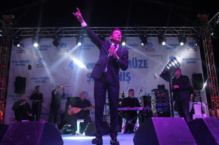 Türk milliyetçisi kimliğiyle tanınan şarkıcının oğlu bedelli askerlikten yararlandı