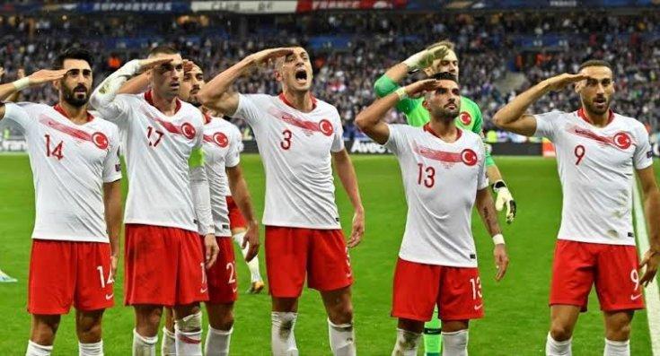 UEFA, Fransa-Türkiye maçıyla ilgili soruşturma başlattı