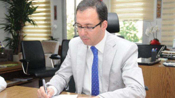Üniversitenin içler acısı hali: Rektör, yeterliliği tartışmalı olan Bakan'a kürsü verdi