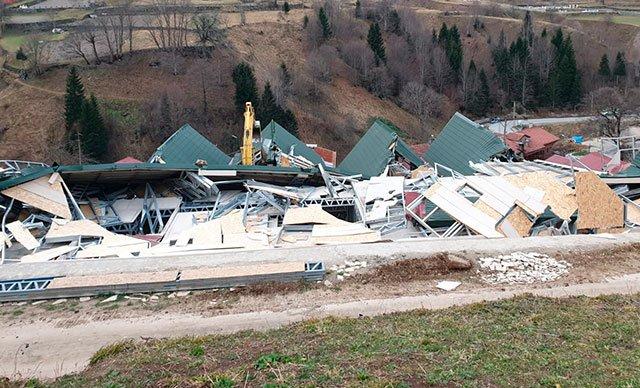 Uzungöl'de kaçak yapıların yıkımına başlandı