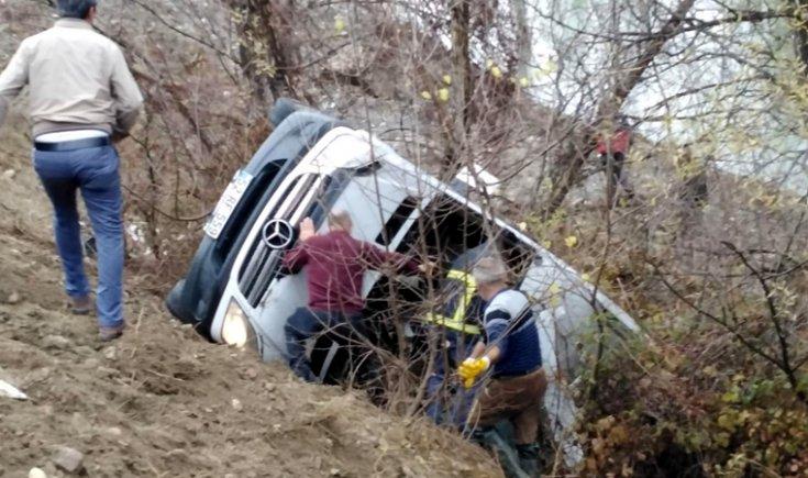 Yozgat'ta sporcuları taşıyan minibüs devrildi: 2 ölü, 15 yaralı