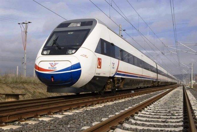 Yüksek hızlı trenin saat ve duraklarında değişiklik yapıldı