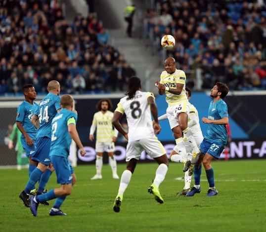 Zenit'e 3-1 mağlup olan Fenerbahçe, UEFA Avrupa Ligi'ne veda etti