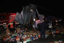 Düzce'de otobüs ile TIR çarpıştı: Çok sayıda ölü ve yaralı var