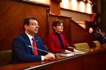 Ekrem İmamoğlu CHP'li ilçe belediye başkanları ve meclis üyeleriyle bir araya geldi