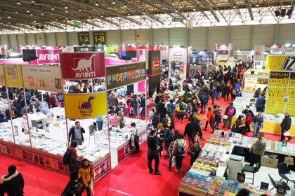 24. İzmir Kitap Fuarı, rekor sayıda kitapseverin ziyaretiyle sona erdi