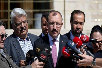 Abdulhamit Gül ile Pelikancılar kavga etti, AKP CHP'yi suçladı