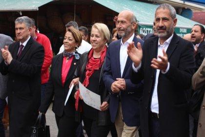 Adalar Belediye Başkanı Erdem Gül mazbatasını alıp göreve başladı