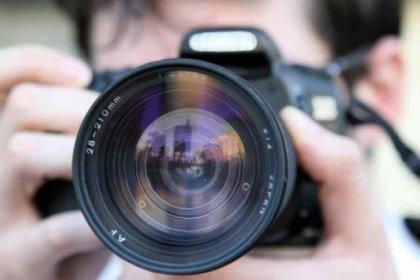 'Ağustosta 15 gazeteci gözaltına alındı, 700 habere erişim engellendi'