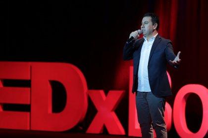 Ahmet Aras TEDx açılışında konuştu: Kentinize saygı duyun