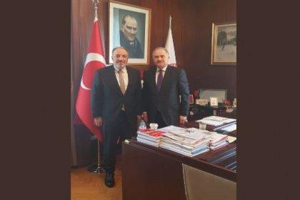 AKP'li Mustafa Yeneroğlu'ndan şehit cenazesinde saldırıya uğrayan Levent Gök'e geçmiş olsun ziyareti
