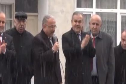 AKP'li vekil 'fetva' aldım deyip ezan sırasında konuştu