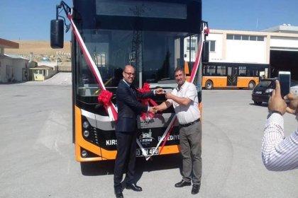 AKP'lilerin vermediği otobüs CHP'li kardeş belediyeden geldi