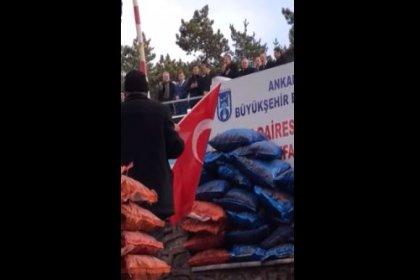AKP'nin Ankara Adayı Mehmet Özhaseki, kömür çuvalları önünde miting yaptı!