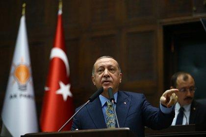 AKP'nin kurucular listesinden 14 kişinin ismi çıkartıldı
