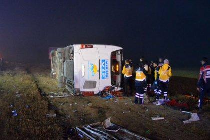 Aksaray'da yolcu otobüsü devrildi: 1 ölü, 37 yaralı