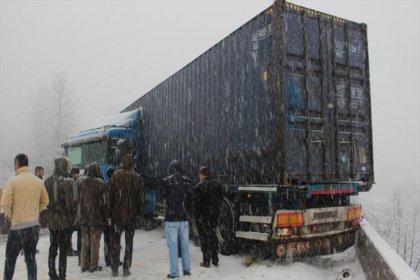 Ankara-İstanbul kara yolu trafiğe kapandı