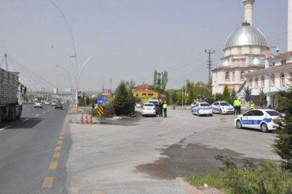 Ankara'da bir araç polis uygulama noktasına daldı, 1 polis memuru hayatını kaybetti