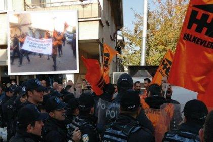 Ankara'da Halkevleri'nin uyuşturucu karşıtı eylemine polis saldırdı