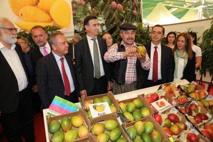 Antalya Belediye Başkanı Böcek, Gazipaşa Tarım Fuarı'na katıldı: 'Yerelden kalkınma hamlemizin en önemli odağı tarım olacak'