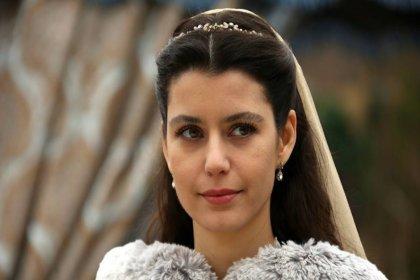 'Beren Saat yeni dizisinden bölüm başına 200 bin lira alacak'