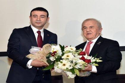 Beşiktaş Belediye Başkanı seçilen Rıza Akpolat görevi devraldı