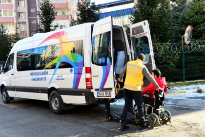 Beylikdüzü Belediyesi'nin hasta nakil hizmetleri 25 bini aşkın kişiye ulaştı