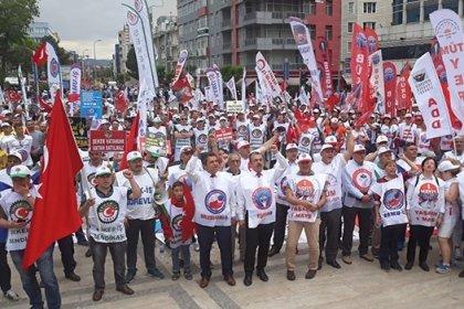 Birleşik Kamu-İş: Türkiye'de memurların sendika hakkı kağıt üzerindedir