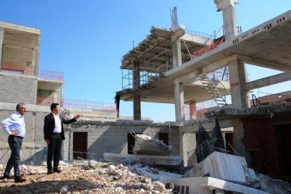 Bodrum Belediye Başkanı Aras yıkım alanlarında incelemelerde bulundu