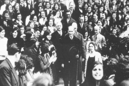 """Bugün 'Laiklik Günü': 91 yıl önce """"Devletin dini islamdır"""" hükmü anayasadan çıkarıldı"""