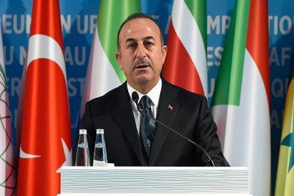 Çavuşoğlu: Gelin İslam düşmanlığını, ırkçılığı ve terörizmi kapsamlı bir şekilde ele alalım