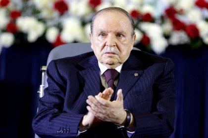 Cezayir'de cumhurbaşkanı Buteflika istifa etti