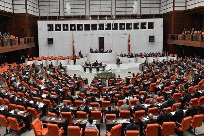 CHP, Bağ-Kur prim borcu olan kanser hastalarını Meclis'e taşıdı