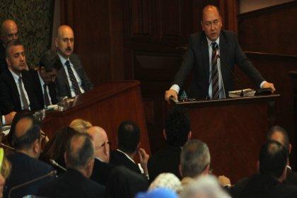 CHP'li Balyalı: AKP, İstanbulluların parasını yandaşı olan tarikatlara ve vakıflara verdi