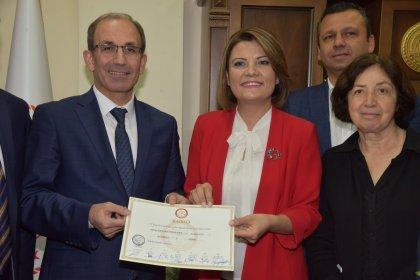CHP'li Fatma Kaplan Hürriyet mazbatasını aldı